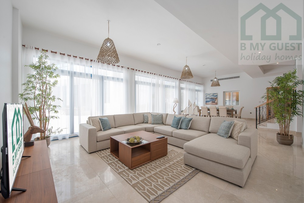 Gorgeous 4BR+Maid's Villa with Swimming Pool and Beach Access